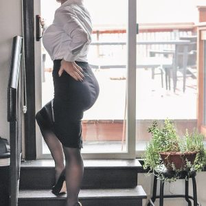 Detroit Mistress in office setting