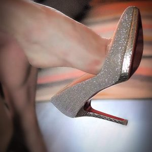 Foot Worshipping Detroit Mistress sparkle high heels
